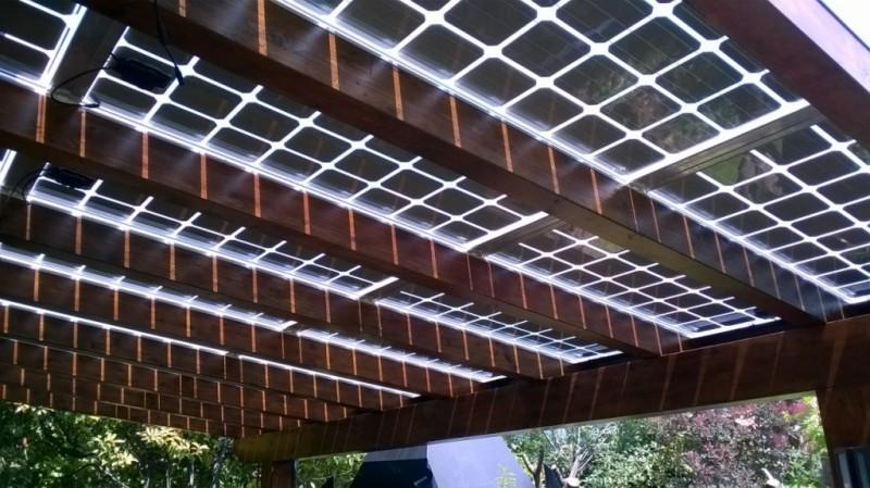 Integra fotovoltaici che fanno passare la luce